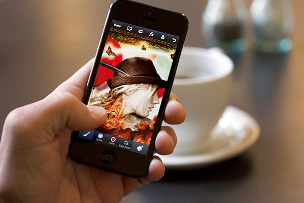 Adobe Photoshop Touch per iPhone e Android
