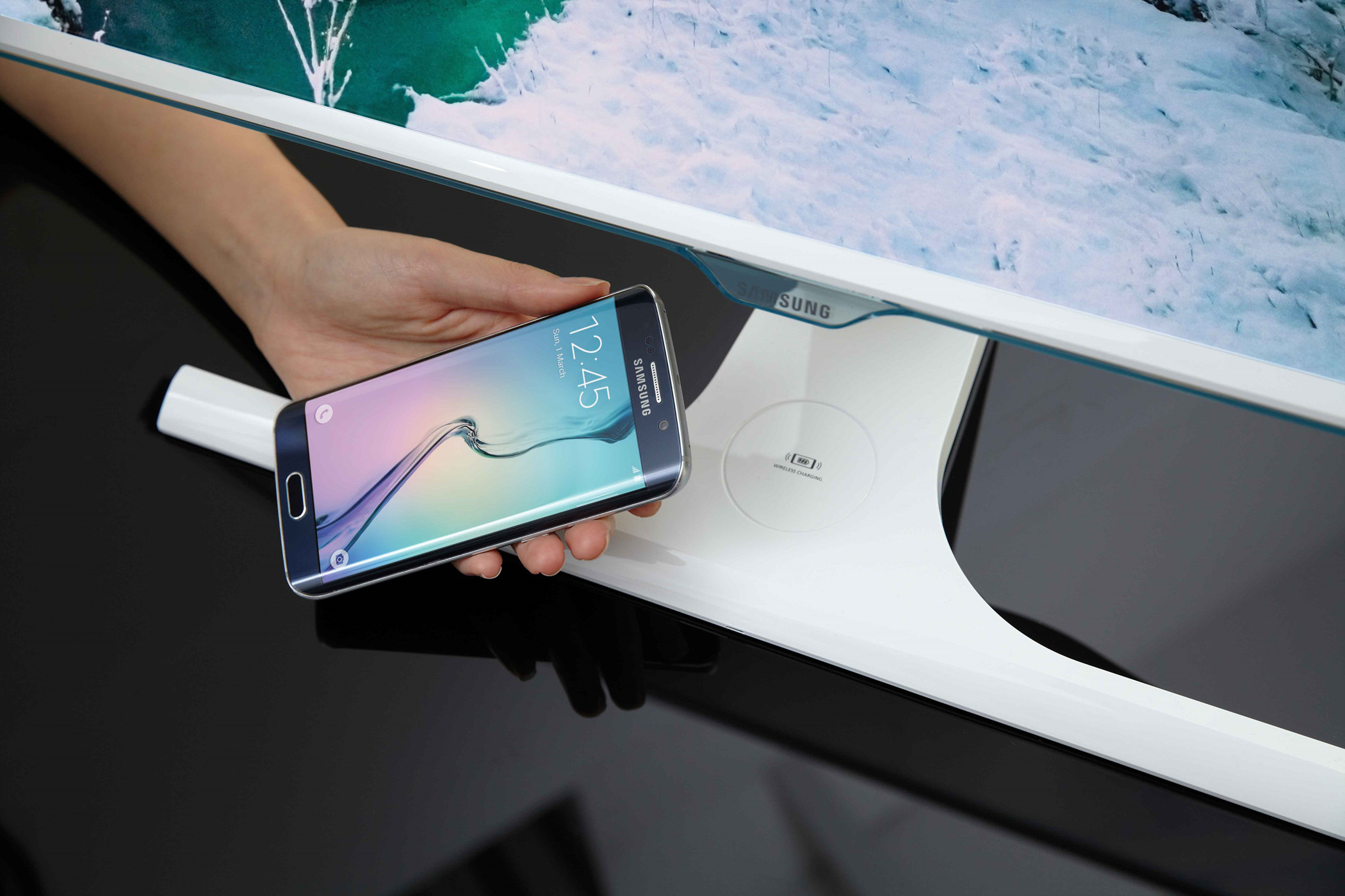 Samsung SE370 TV Wireless charge Qi
